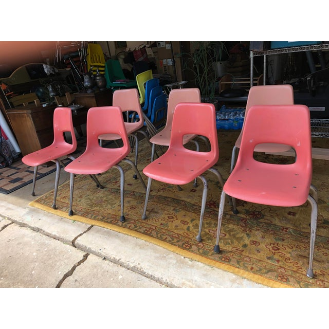 Mid-Century Modern Vintage Mid Century Fiberglass Chairs- Set of 7 For Sale - Image 3 of 10