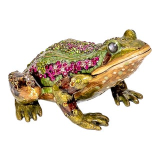 """Jay Strongwater """"Prince"""" Frog Paperweight Clock For Sale"""