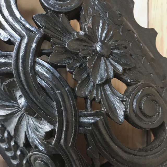 19th Century French Louis XVI Round Carved Wood Mirror For Sale - Image 10 of 11