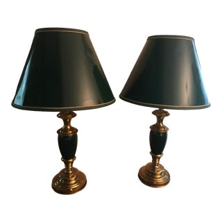 Pair of Mid Century Modern Brass and Enamel Stiffel Lamps in Hunter Green With Original Matching Stiffel Shades For Sale