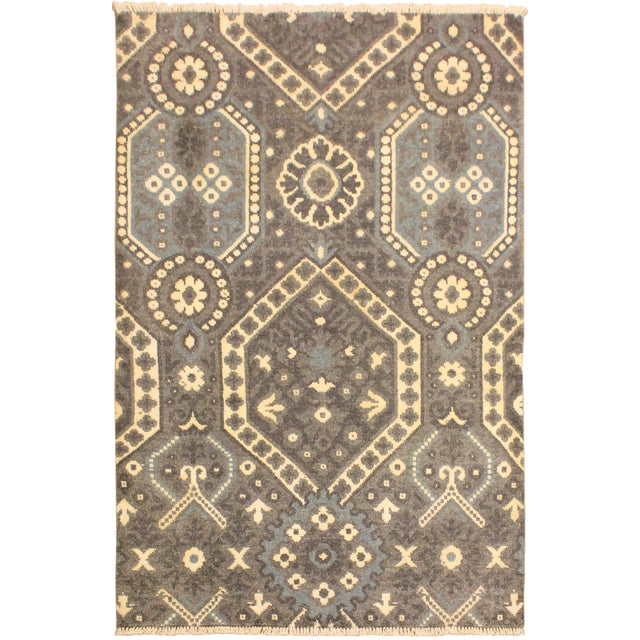 Ezyln Modern Marcelle Gray/Ivory Wool & Viscouse Rug - 4'1 X 6'2 For Sale