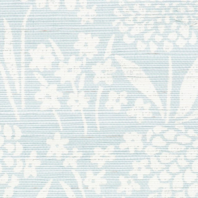 Schumacher Sample - Schumacher Chrysanthemum Sisal Wallpaper in Sky For Sale - Image 4 of 4
