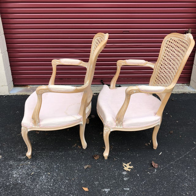 French Pair of Vintage Chateau d'Ax Louis XV Bergere French Country Provincial Chairs For Sale - Image 3 of 12