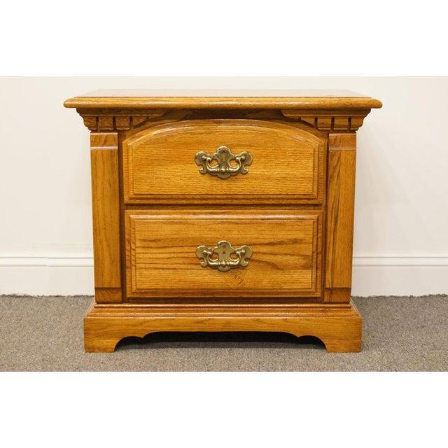 low priced 122e6 50277 Late 20th Century Bassett Furniture Oak Nightstand