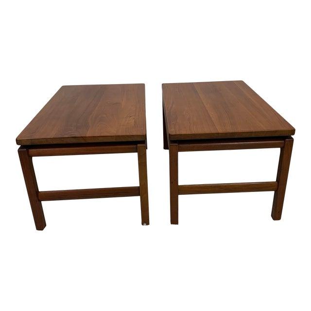 Mid-Century Danish Modern Walnut End Tables by Gunlocke For Sale