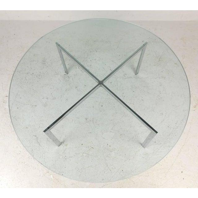 "Mid-Century Modern Mid-Century Modern ""X"" Base Circular Chrome Coffee Table For Sale - Image 3 of 6"
