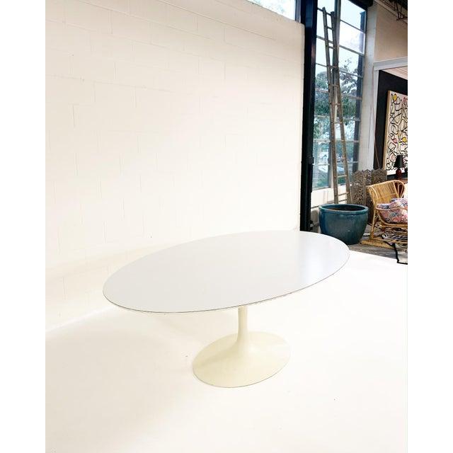Mid 20th Century Eero Saarinen Tulip Dining Table For Sale - Image 5 of 6