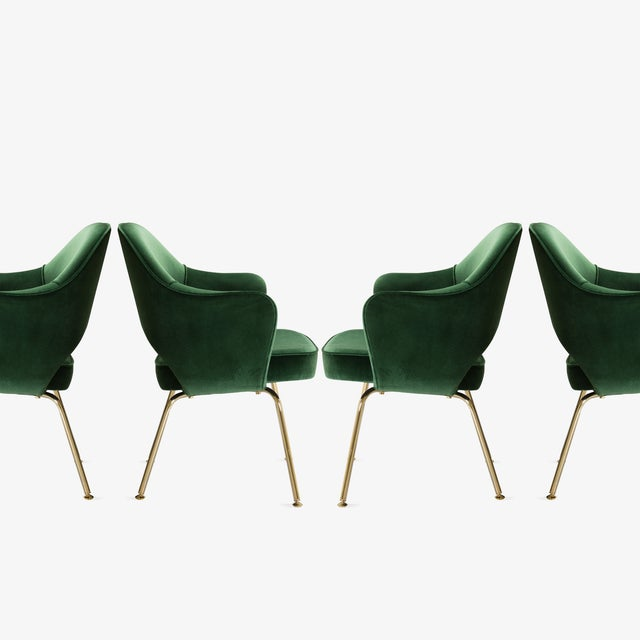Bauhaus Original Vintage Saarinen Executive Arm Chairs Restored in Emerald Velvet, Custom 24k Gold Edition - Set of 6 For Sale - Image 3 of 9
