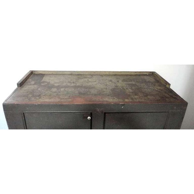 Rustic Early 19th century Original Grey Over Red Pennsylvania Hutch/Cupboard For Sale - Image 3 of 8