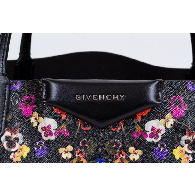 aea717d1c98 Givenchy New Givenchy Large Flower Antigona Shopper Tote Bag For Sale -  Image 4 of 10