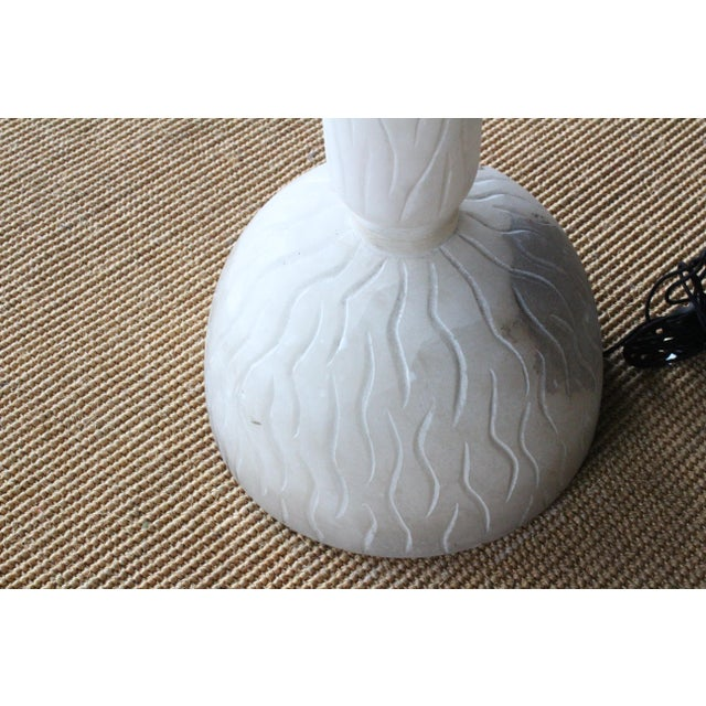Contemporary Carved Alabaster Floor Lamp, Italy, 1970s For Sale - Image 3 of 9