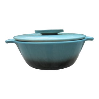 1940s Hull Vintage Sky Blue Oven Proof Lidded & Divided Casserole Dish For Sale