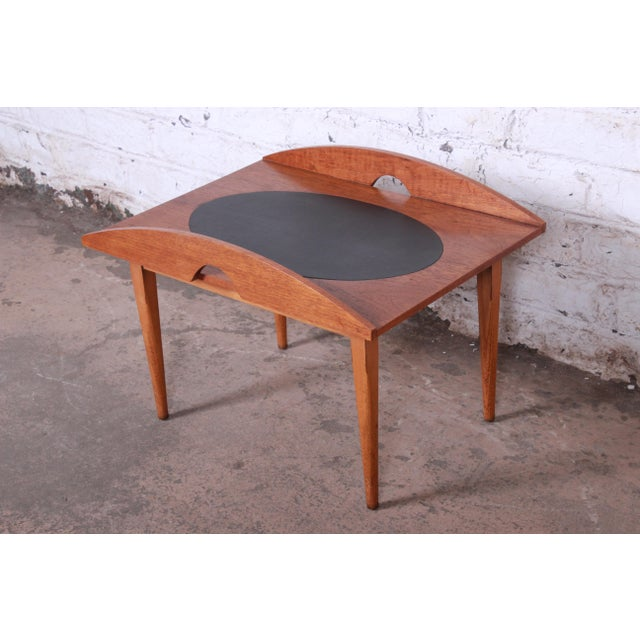 1960s Paul McCobb for Lane Signature Collection Walnut and Leather Occasional Side Table For Sale - Image 5 of 11