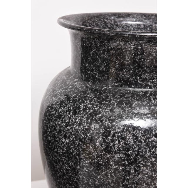 Ceramic Mid-Century Glazed American Black and Gray Pottery Urns Planters - a Pair For Sale - Image 7 of 9