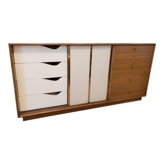 1950s Mid-Century Modern Harvey Probber Mahogany Lowboy Dresser For Sale