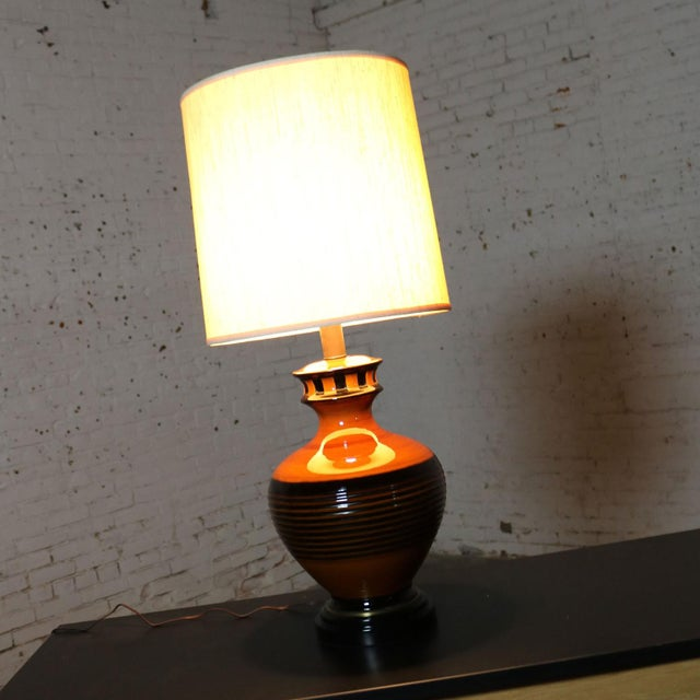 Industrial Large Brown and Black Mid Century Modern Bulbous Ceramic Lamp For Sale - Image 3 of 13