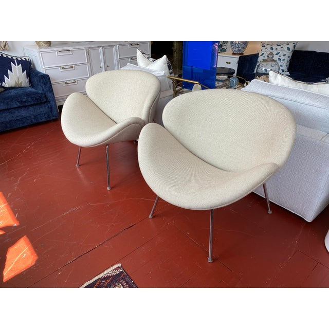 Mid-Century Modern Pair of Vintage Tulips Chairs With Newly Upholstered For Sale - Image 3 of 13