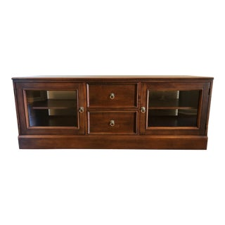 1990s Traditional Ethan Allen Tv Stand/Media Cabinet Console For Sale