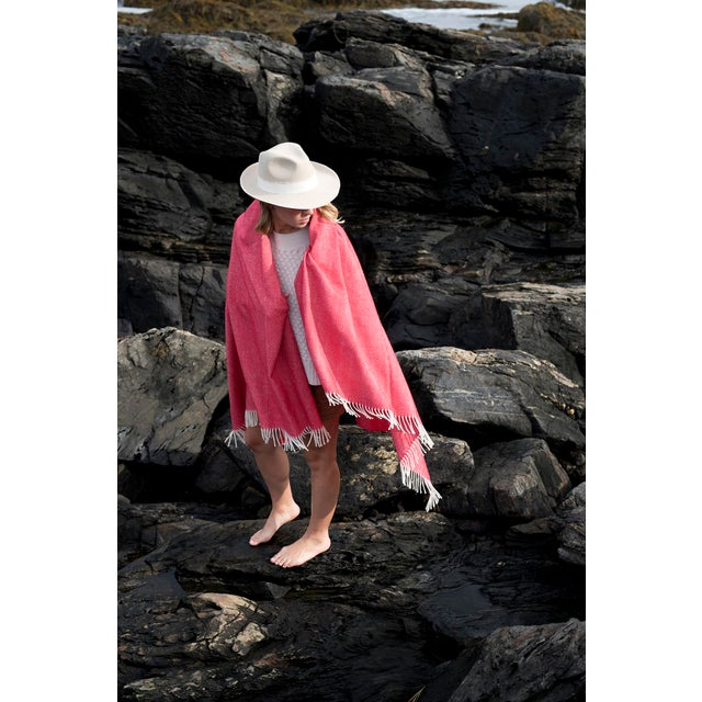 Contemporary Modern Merino Wool Collection Crimson Throw For Sale - Image 3 of 4