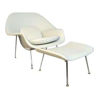 """""""Womb"""" Chair and Ottoman by Eero Saarinen - a Pair For Sale"""