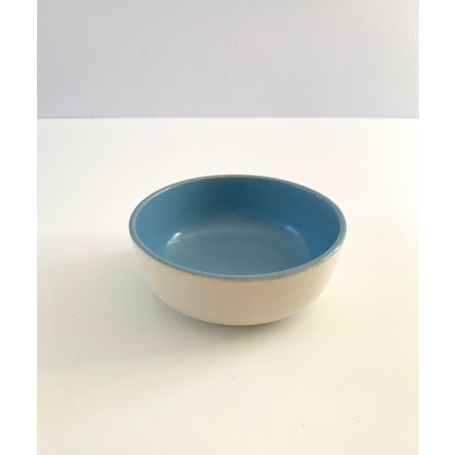 Contemporary 1940s Vintage Catalina Pottery Sky Blue and White Bowl For Sale - Image 3 of 7