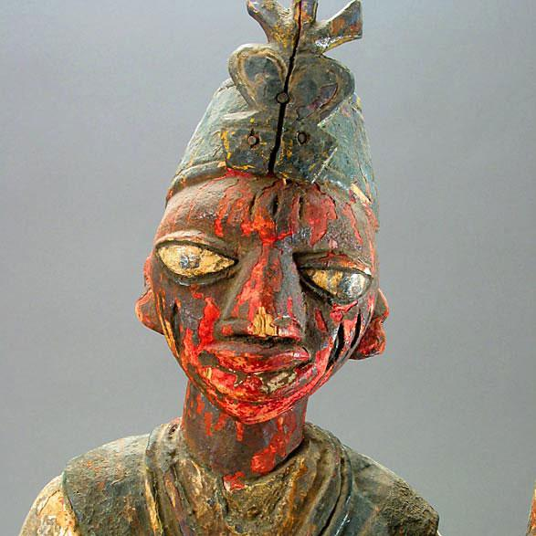 Yoruba Polychrome Sculpture of an Oba For Sale - Image 4 of 5