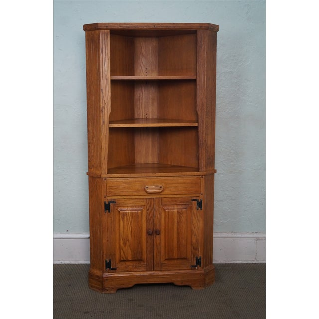 Brandt Ranch Oak Rustic Corner Cabinet AGE/COUNTRY OF ORIGIN: Approx 60 years, America DETAILS/DESCRIPTION: High quality,...