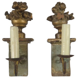 Italian, Pair of Small Carved Gilt Wood Sconces For Sale