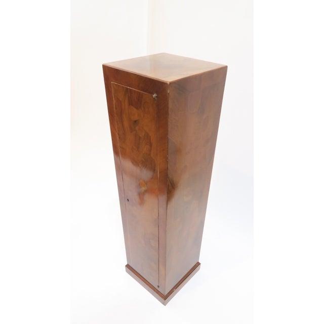 Traditional Burlwood Pedestal - Image 4 of 8