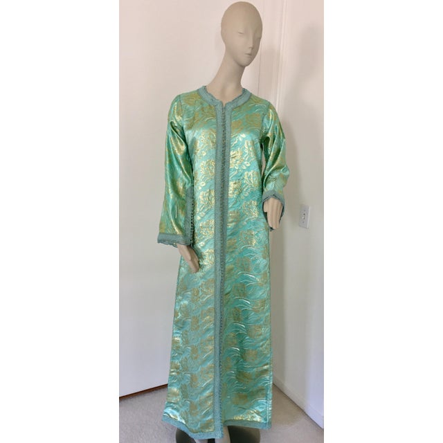 Moroccan Kaftan in Turquoise and Gold Floral Brocade Metallic Lame For Sale - Image 12 of 12