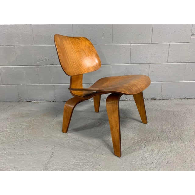 Wood Mid-Century Charles Eames Lcw Herman Miller Lounge Chair For Sale - Image 7 of 11