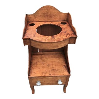 Early 19th Century Antique Federal Period Tiger Maple Washstand For Sale