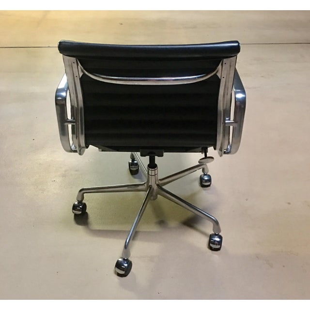 Eames Management Aluminum Chair For Sale - Image 11 of 11
