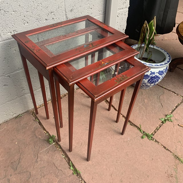 Asian Japanese Red Lacquer and Glass Nesting Tables - Set of 3 For Sale - Image 3 of 13