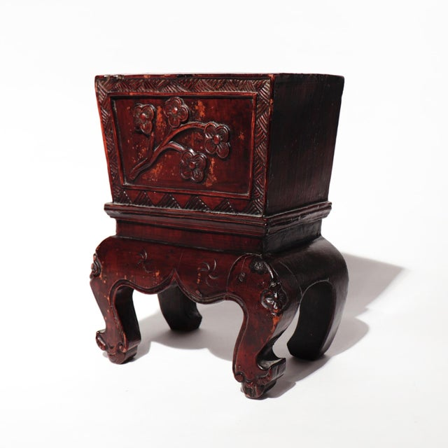 Chinese Decorative Lacquered Wood Jardiniere, small, elegant form carved from a single segment of wood, raised high on...