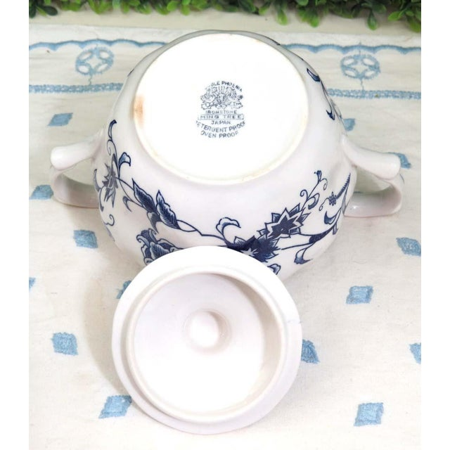 Blue Vintage Mismatched Sugar Bowl & Creamer With Tray For Sale - Image 8 of 13