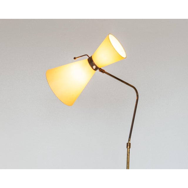 Italian Floor Lamp in Brass With Red Lacquered Metal Base and Original Diabolo Shade, 1950s For Sale - Image 4 of 11