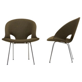 Newly Upholstered Pair of Model 350 Lounge Chairs by Arno Votteler Walter Knoll For Sale