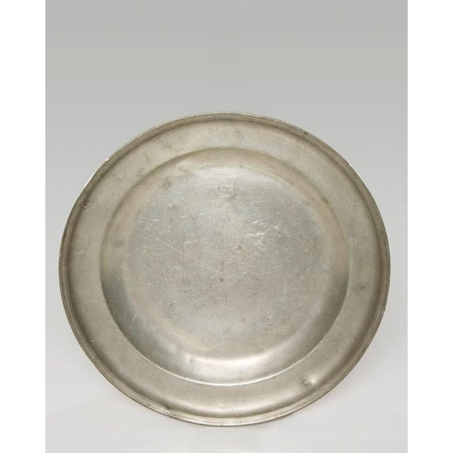 Pair of Large Pewter Chargers, England c.1820 For Sale - Image 4 of 6