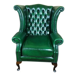 Vintage 20th Century English Traditional Green Leather Chesterfield Wingback Chair For Sale