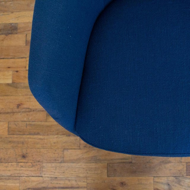 Black Vecta Chair in Blue Tweed Upholstery, Maurice Burke Fiberglass Shell For Sale - Image 8 of 9