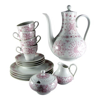 Hutschenreuther Pink Atomic Flower Coffee Luncheon Service for 4 - 15 Piece Set For Sale