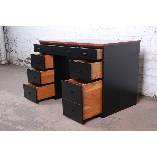 Early Edward Wormley for Dunbar Walnut and Black Lacquered Kneehole Desk, 1940s For Sale In South Bend - Image 6 of 13