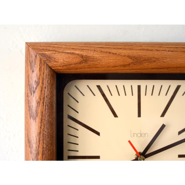 1970s Danish Modern Arthur Umanoff Style Bullnose Oak Clock For Sale - Image 5 of 6