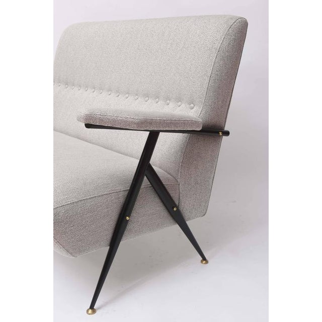 Angelo Ostuni 1950s Italian Mid-Century Modern Gray Upholstered Settee For Sale - Image 4 of 10