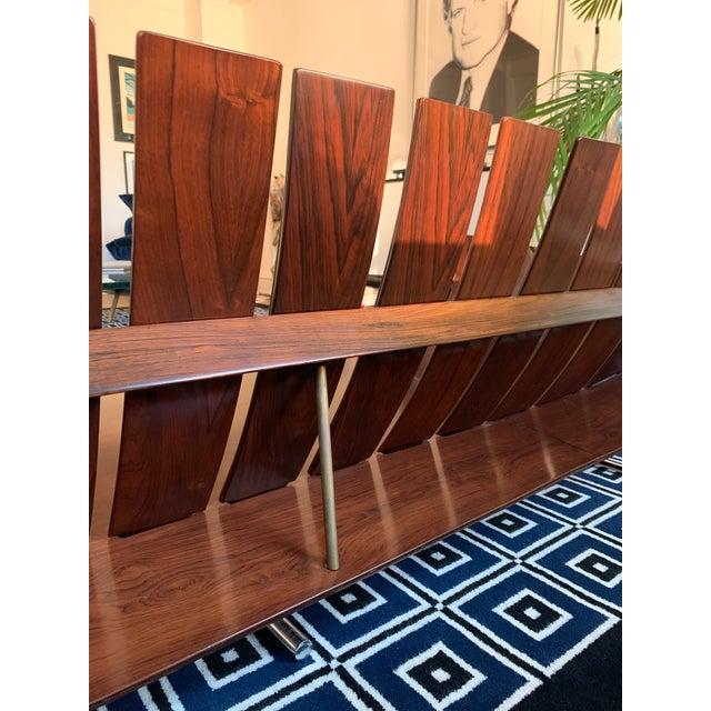 Jorge Zalszupin Jorge Zalszupin's Rosewood 'Presidencial' Sofa for l'Atelier For Sale - Image 4 of 7