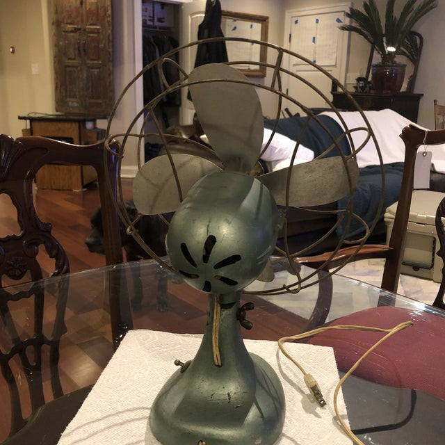 Mid Century Le John Electric Fan For Sale - Image 4 of 8
