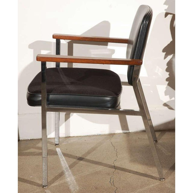 Bauhaus Pair of Bauhaus Chrome and Wood Black Armchairs For Sale - Image 3 of 10