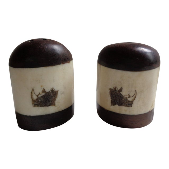 Vintage Wooden African Rhinoceros Salt and Pepper Shaker Set For Sale