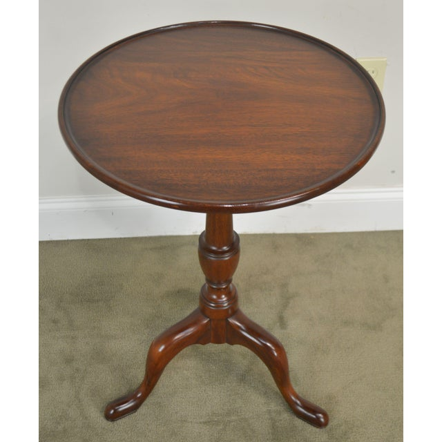 """Henkel Harris Traditional Mahogany 20"""" Round Pedestal Side Table For Sale In Philadelphia - Image 6 of 13"""